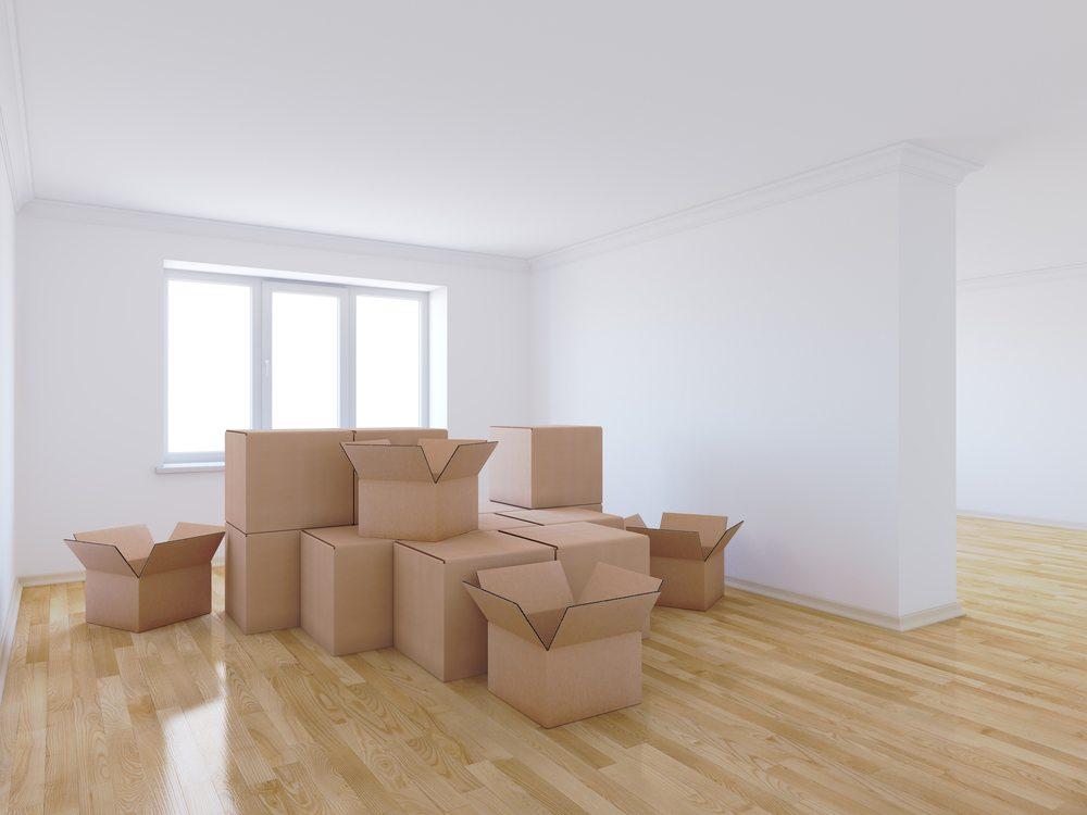Beim Umzug ist es ebenfalls toll, dass man die Zimmeraufteilung oft ganz neu regeln kann. (Bild: dencg / Shutterstock.com)