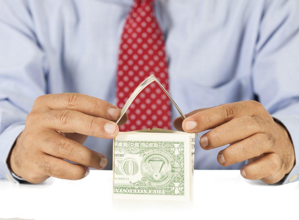 Bei der Mängelfrage geht's um das liebe Geld. (Bild: izzet ugutmen / Shutterstock.com)