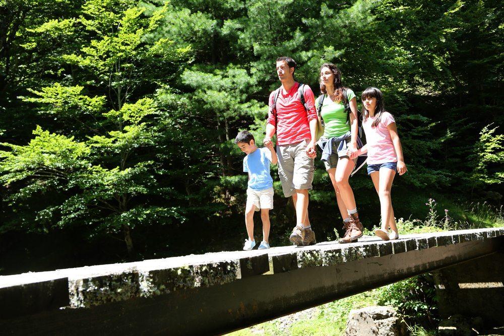 Kinderhotel Oberjoch: Sowohl im Winter als auch im Sommer eine Reise wert. (Bild: Goodluz / Shutterstock.com)