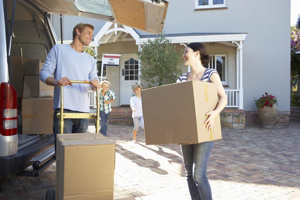 Ein Umzug erfordert eine fachkundige Umzugsfirma. (Bild: © Monkey Business Images - shutterstock.com)