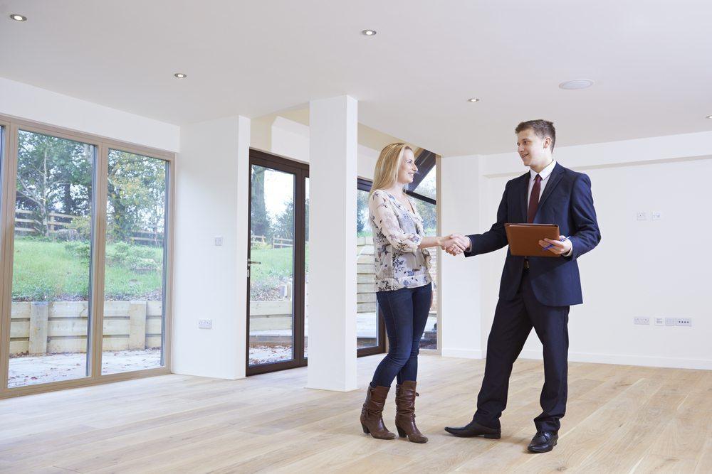 Wer nicht mitspielt, hat weniger Aussichten auf eine Wohnung (Bild: © SpeedKingz - shutterstock.com)