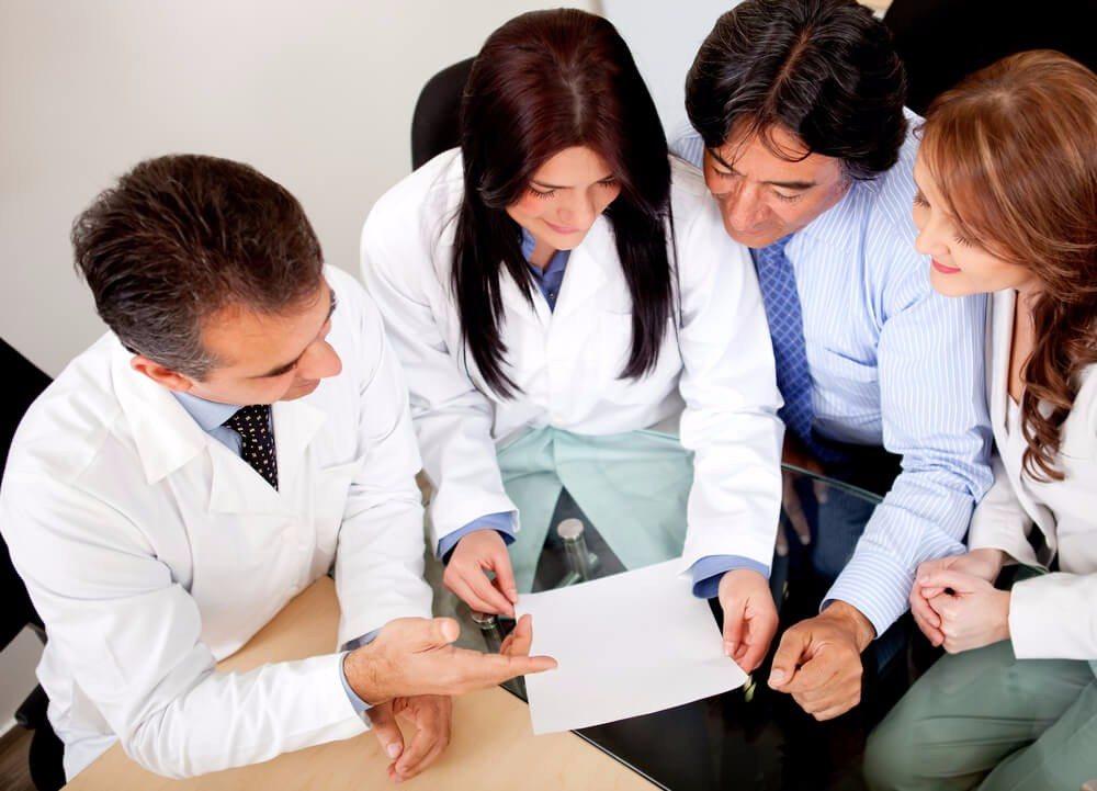 Die Einwanderer haben die freie Auswahl zwischen mehreren Dutzend Krankenkassen. (Bild: © Andresr - shutterstock.com)