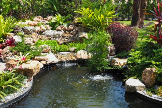 Im neuen Zuhause Gartenträume verwirklichen (Bild: Lifestyle_Studio - shutterstock.com)